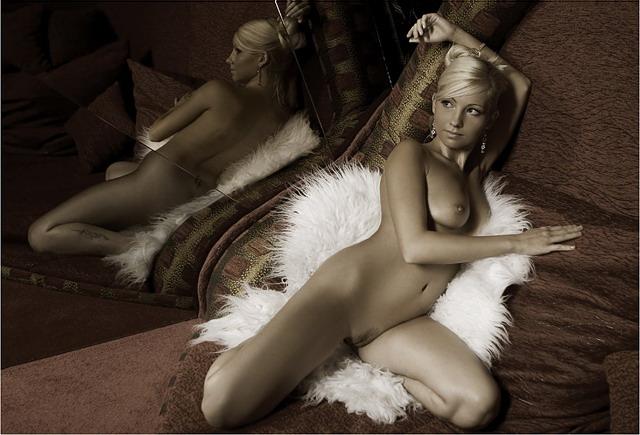 эротичиски фото девушка паписать